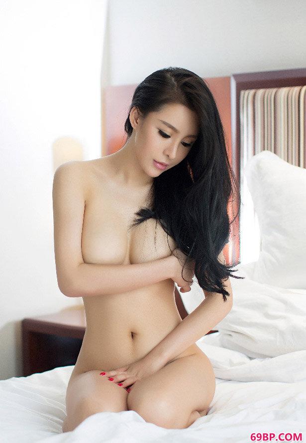 优果尘苏迪雪白肌肤美丽美胸撩人_中国美女大胆66人休艺术gogo