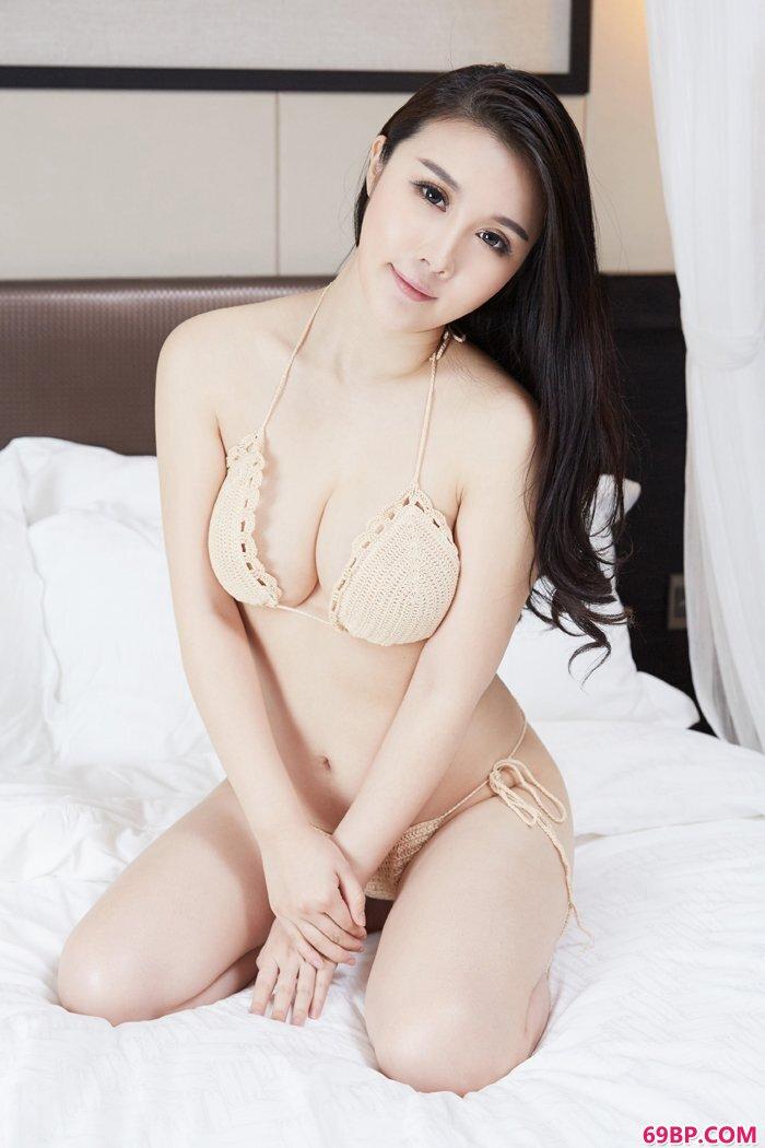 美妇陆萱萱全裸上阵大秀风骚豪乳_hara