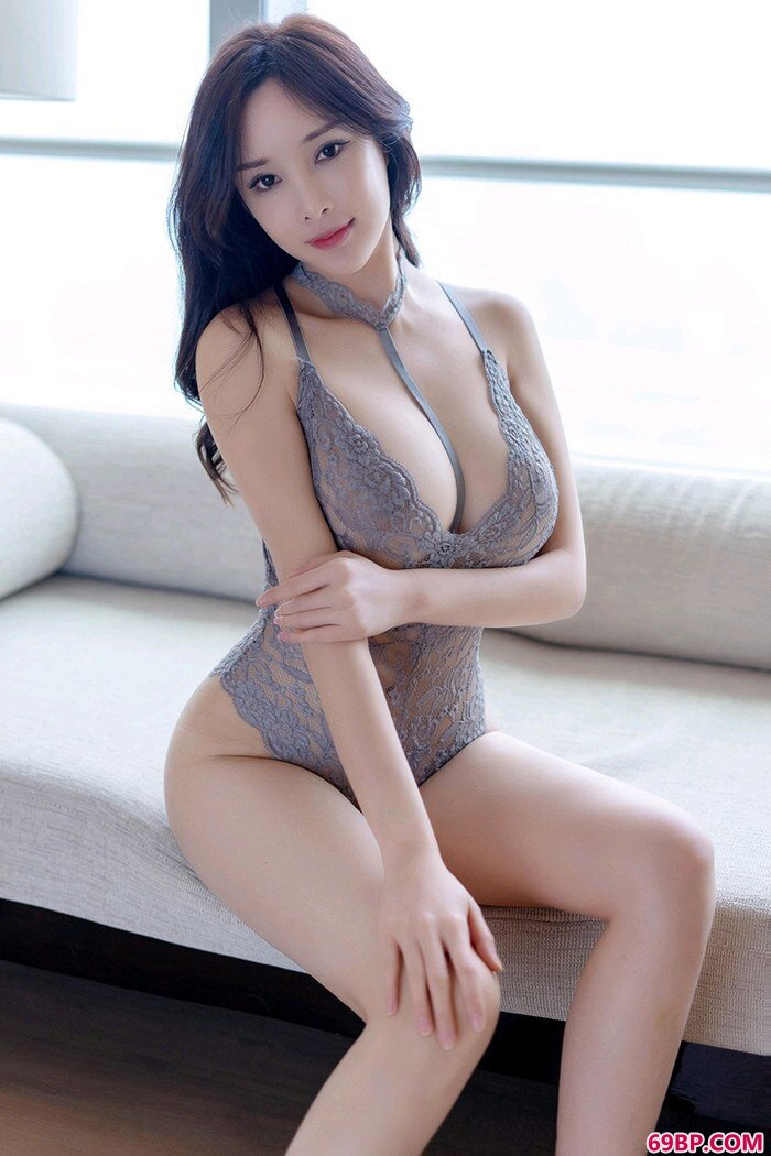 宅男御姐周妍希爆炸巨胸让人挪不开眼_mm嫩嫩337p人体