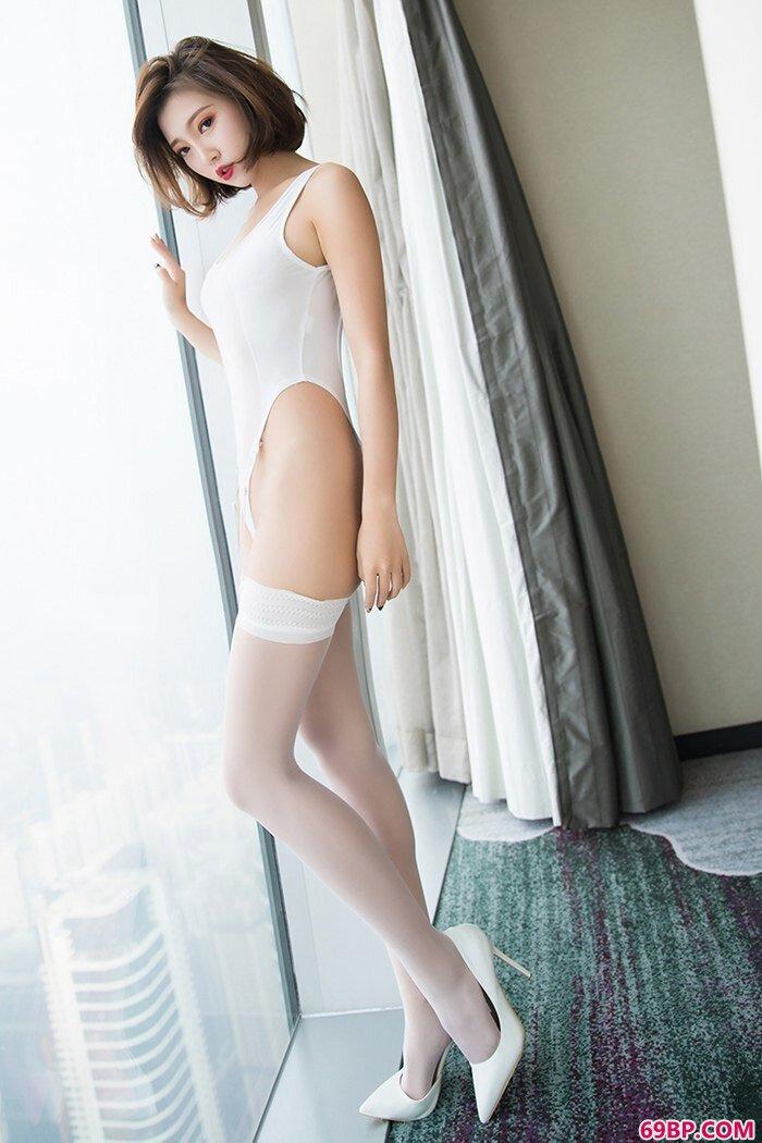 娇俏女王冯木木妖娆身姿等你来撩_gogo人体广西柳州