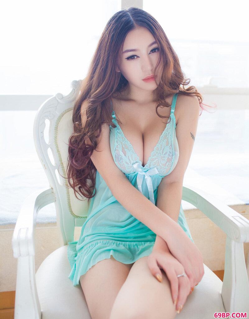 靓女陈思琪太妩媚了鼻血横流_男女性动态激烈动态图试看