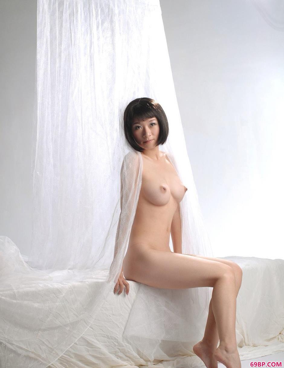 性感足球_妹子孙迪百变造型拍美体
