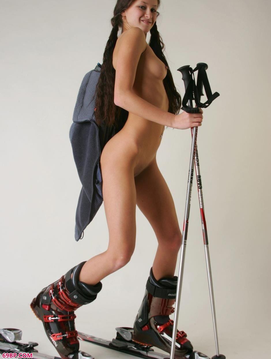 大喷潮15P_玛丽亚Maria室拍滑雪人体2