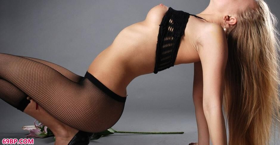 金丝长头发名模安娜3_欧美大黑异族Gay
