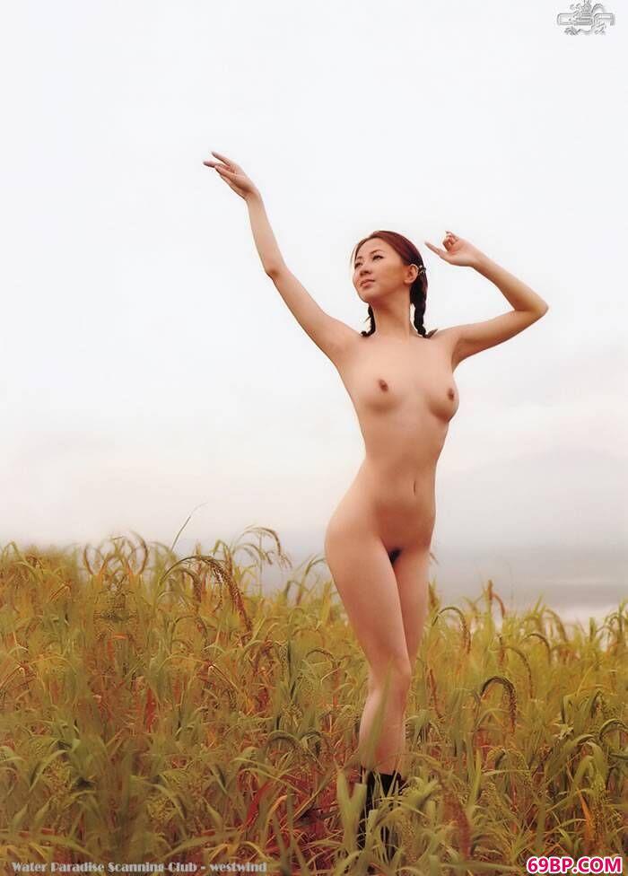 汤加丽几张最出位人体艺术写真图片