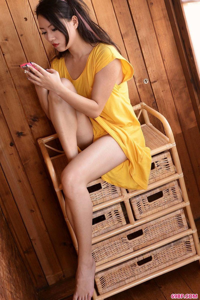 木屋里的Metart模特CassieLang