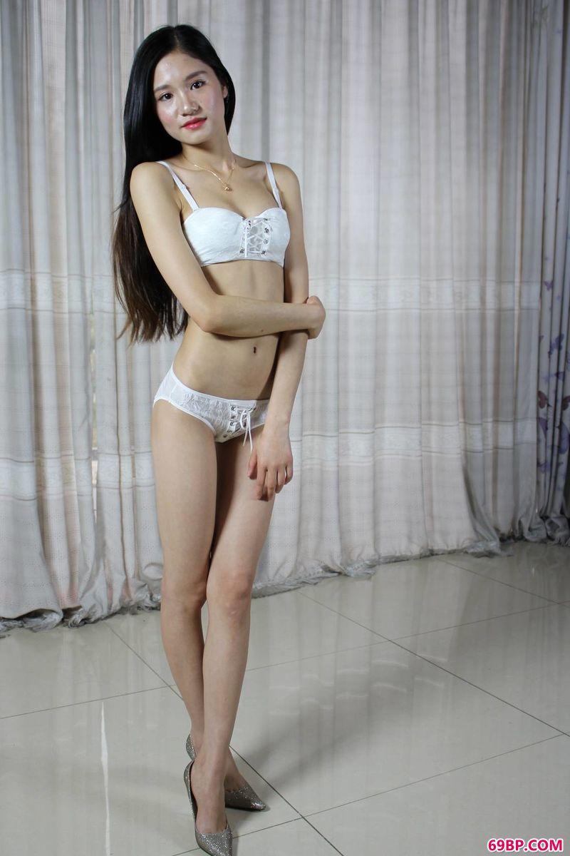 gogo大胆啪啪艺术_窈窕淑女超模杨颖