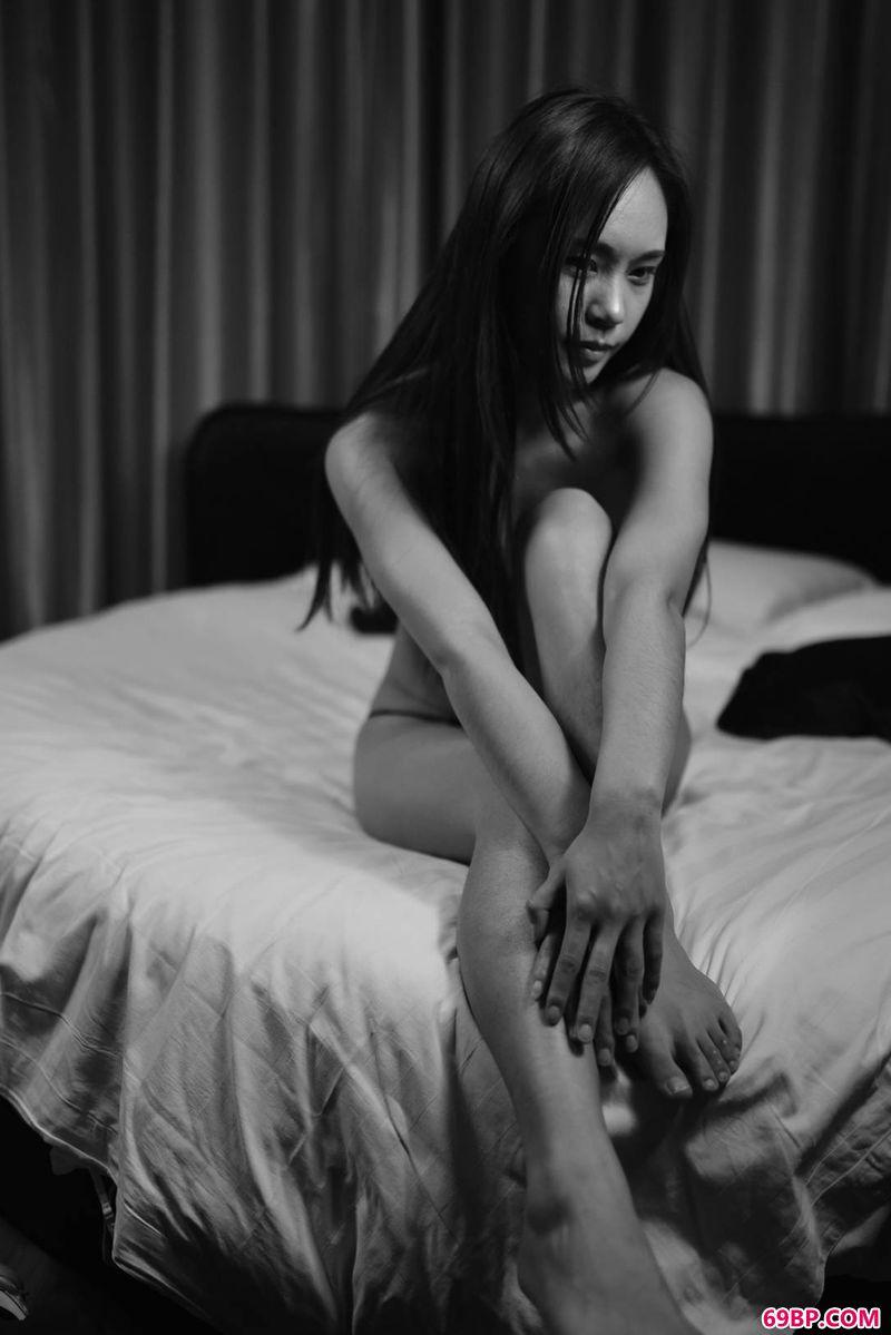 性之图吧国模私拍30p_嫩模小姬之美体印象
